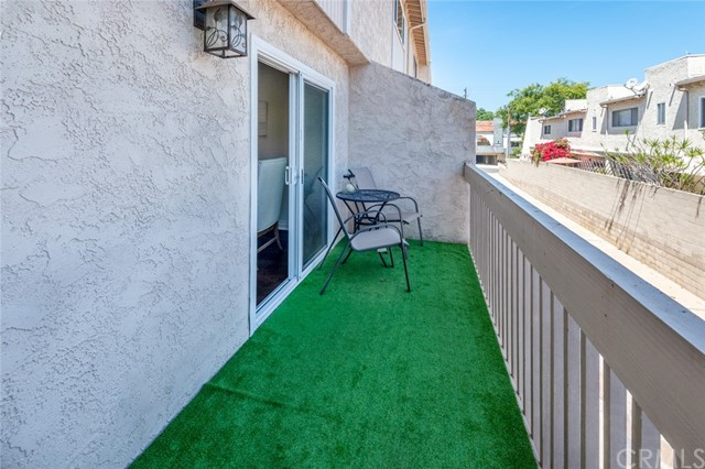 Active Under Contract | 108 S Irena Avenue #F Redondo Beach, CA 90277 15