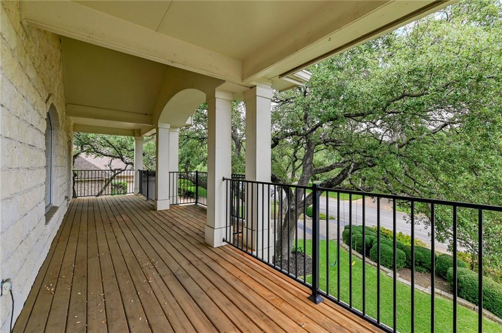 ActiveUnderContract | 3008 Creeks Edge Parkway Austin, TX 78733 3