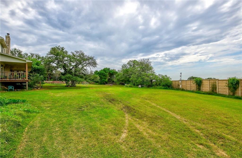 Closed | 121 E Legend Oaks Drive Georgetown, TX 78628 36