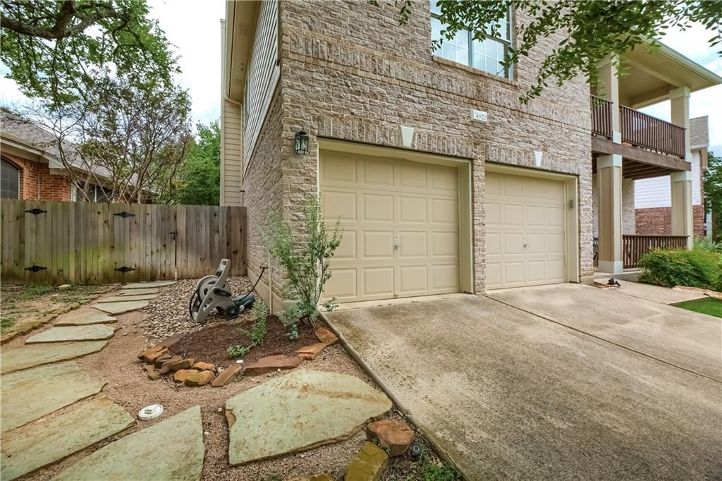 ActiveUnderContract | 4620 Hibiscus Valley Drive Austin, TX 78739 2