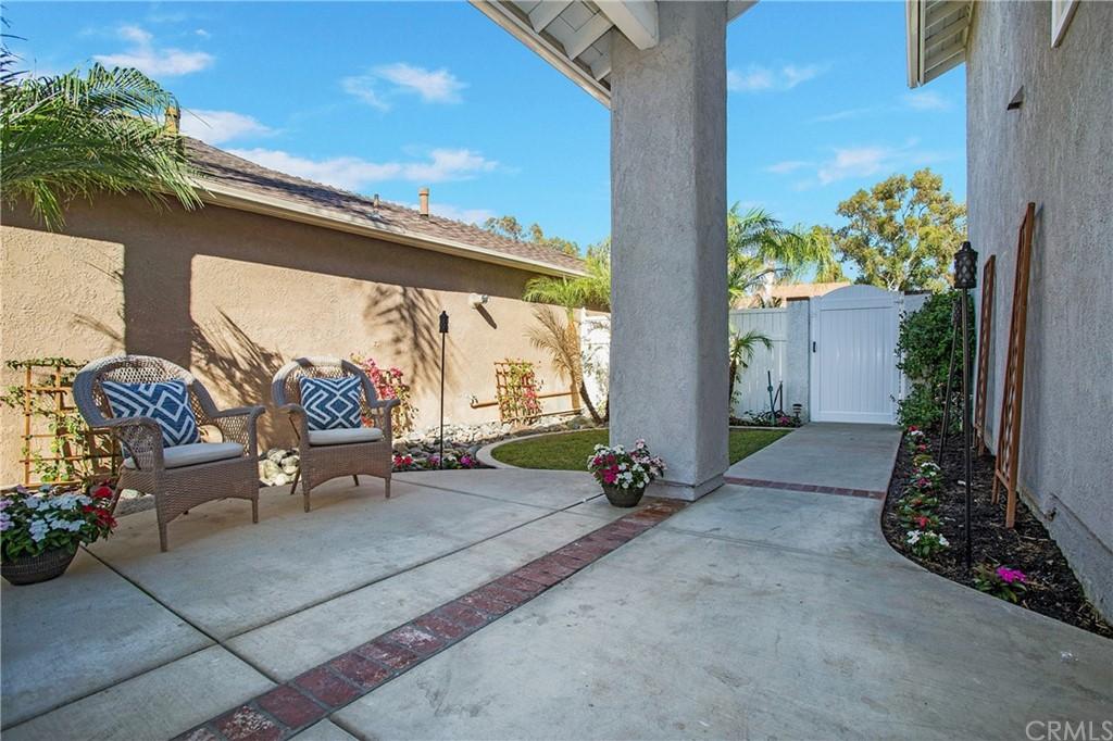 Single Family Home in Mission Viejo | 22141 Cosala Mission Viejo, CA 92691 3