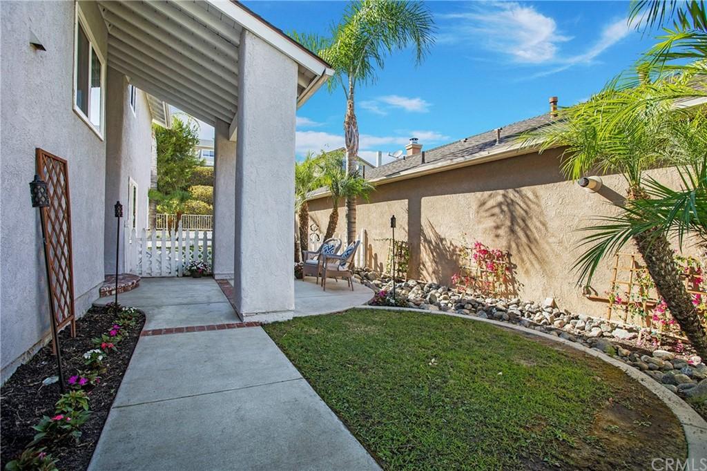 Single Family Home in Mission Viejo | 22141 Cosala Mission Viejo, CA 92691 0