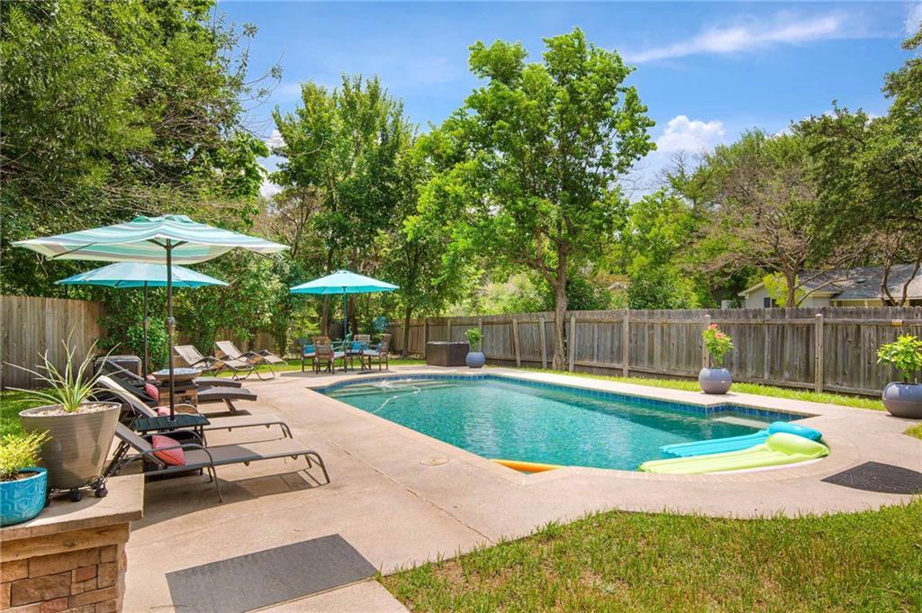 Active | 8207 Daleview Drive Austin, TX 78757 1
