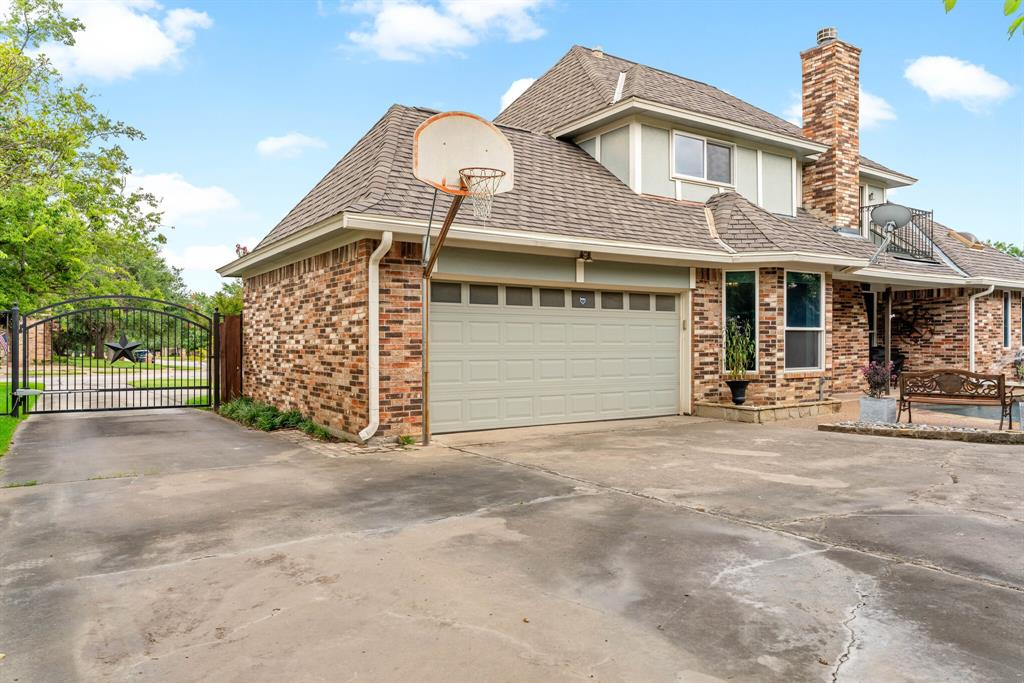 Sold Property   2505 Stonegate Drive Bedford, Texas 76021 37