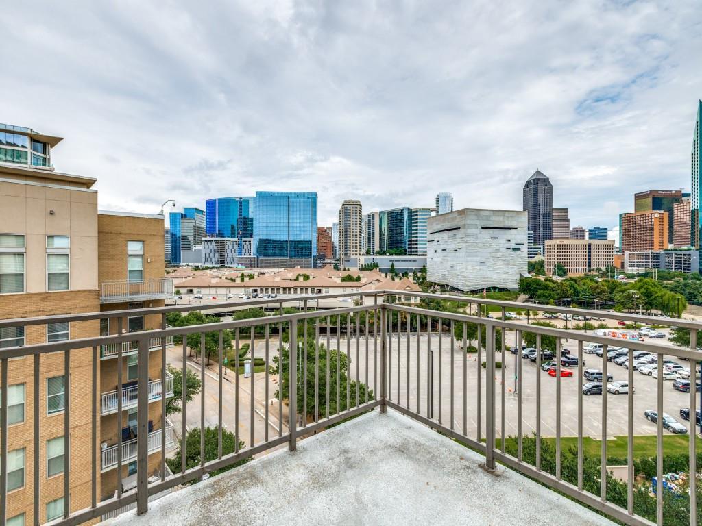 Active | 2323 N Houston Street #704 Dallas, Texas 75219 27