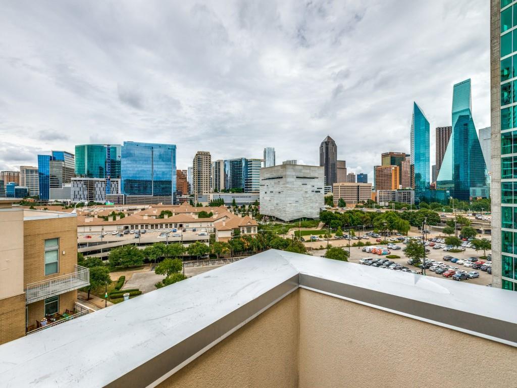 Active | 2323 N Houston Street #704 Dallas, Texas 75219 30