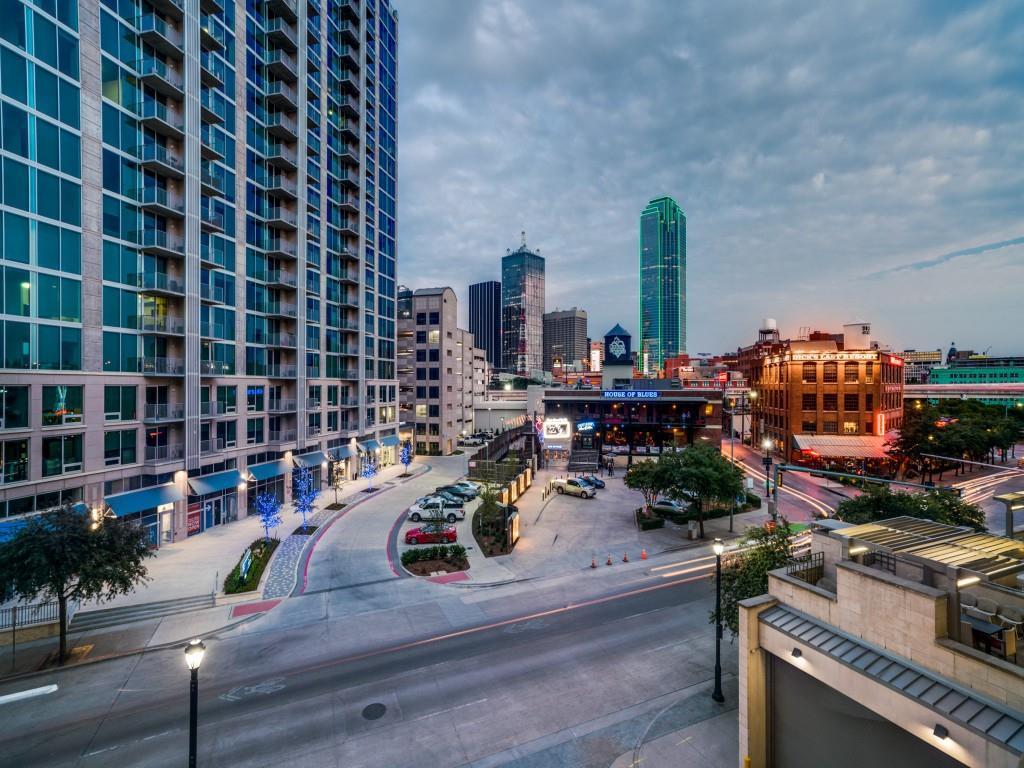 Active | 2323 N Houston Street #704 Dallas, Texas 75219 36
