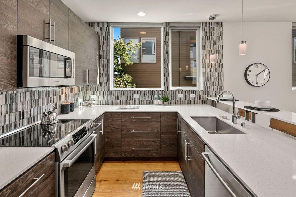 Sold Property | 2433 NW 62nd Street Seattle, WA 98107 4