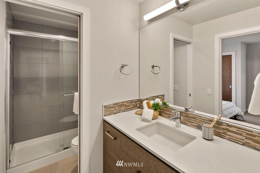Sold Property | 2433 NW 62nd Street Seattle, WA 98107 16