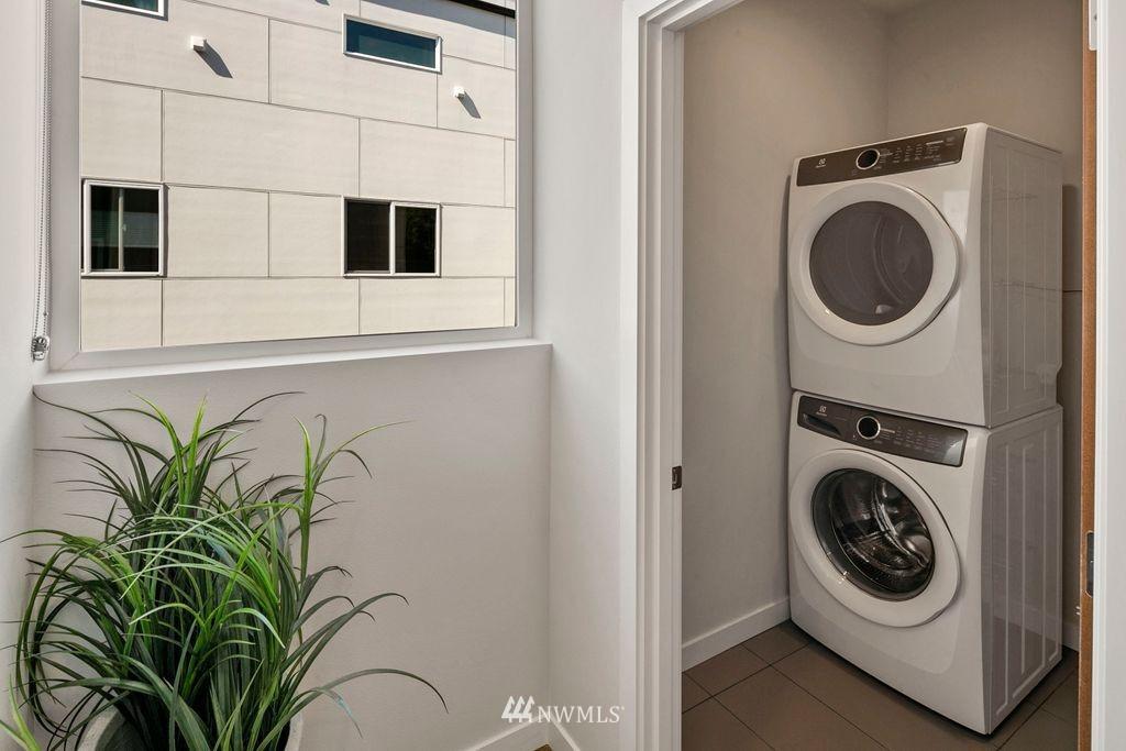 Sold Property | 2433 NW 62nd Street Seattle, WA 98107 17