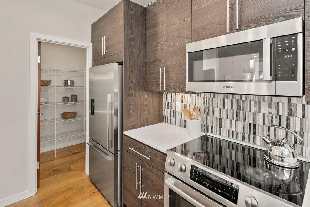 Sold Property | 2433 NW 62nd Street Seattle, WA 98107 5