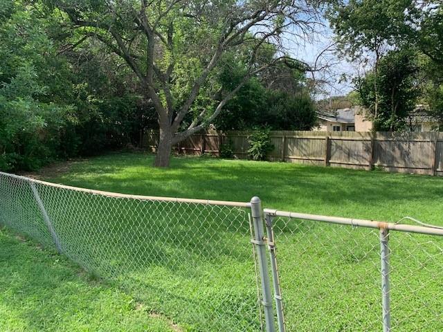 Closed   2108 Lampwick Circle Austin, TX 78727 1