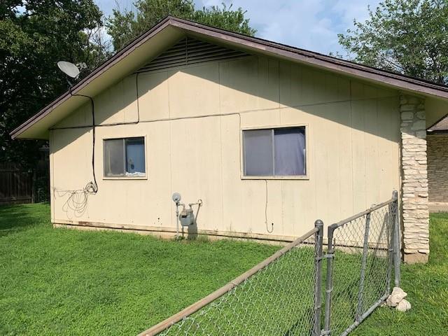Closed   2108 Lampwick Circle Austin, TX 78727 2