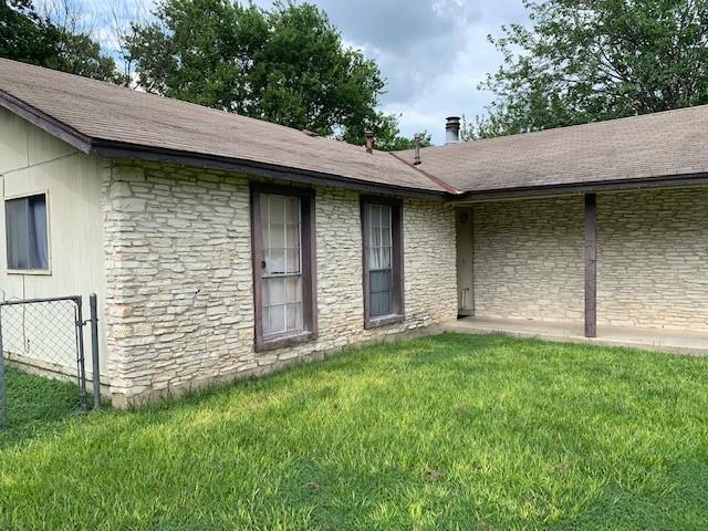 Closed   2108 Lampwick Circle Austin, TX 78727 4