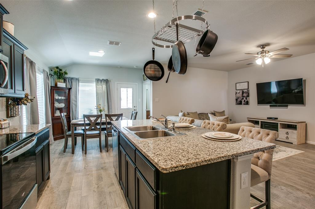Sold Property | 9240 Herringbone Drive Fort Worth, Texas 76131 11