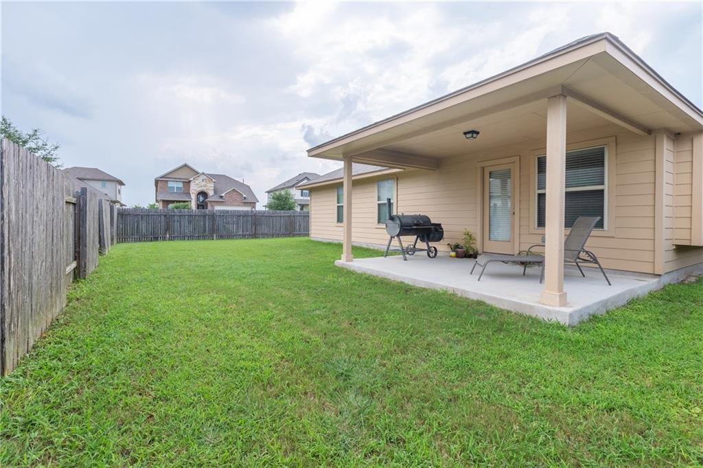 Closed   101 Beargrass Drive Kyle, TX 78640 19