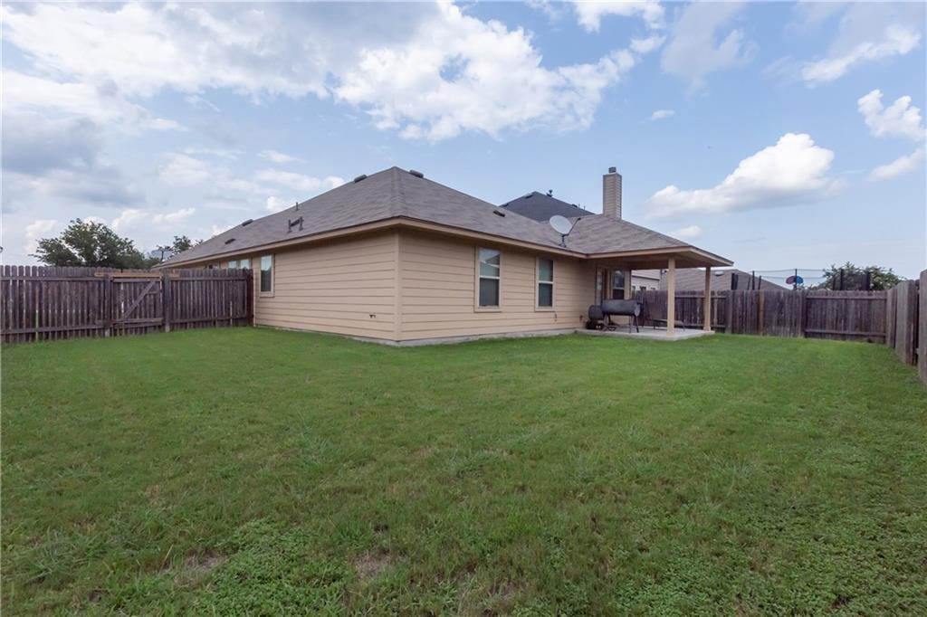 Closed   101 Beargrass Drive Kyle, TX 78640 20