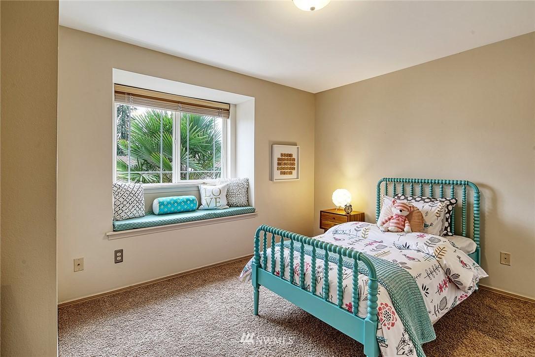 Sold Property | 722 N 188th Street Shoreline, WA 98133 21