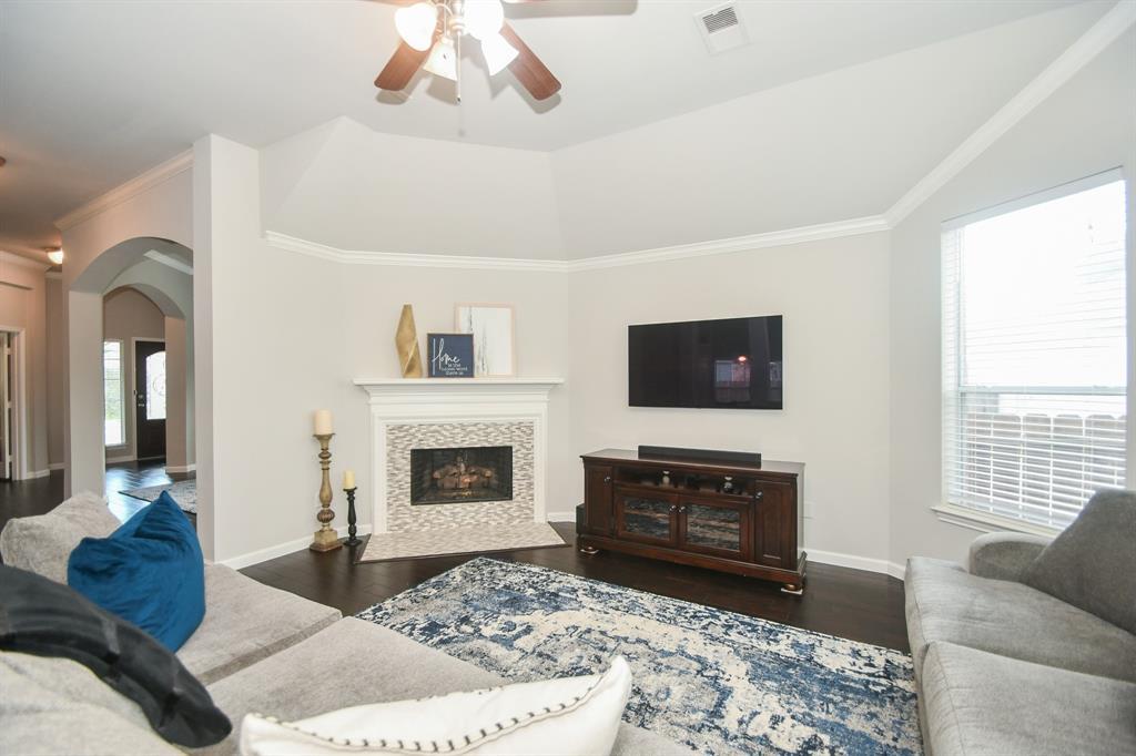 Option Pending | 2202 Cambridge Shores Lane Pearland, Texas 77584 12