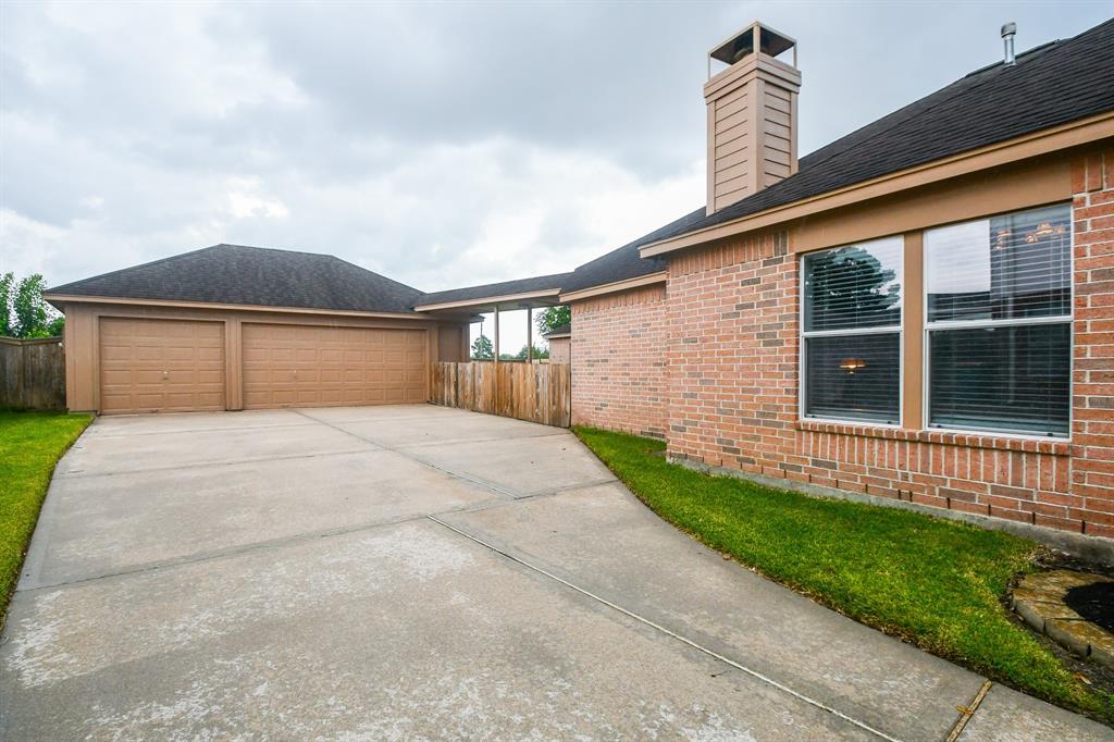 Option Pending | 2202 Cambridge Shores Lane Pearland, Texas 77584 24