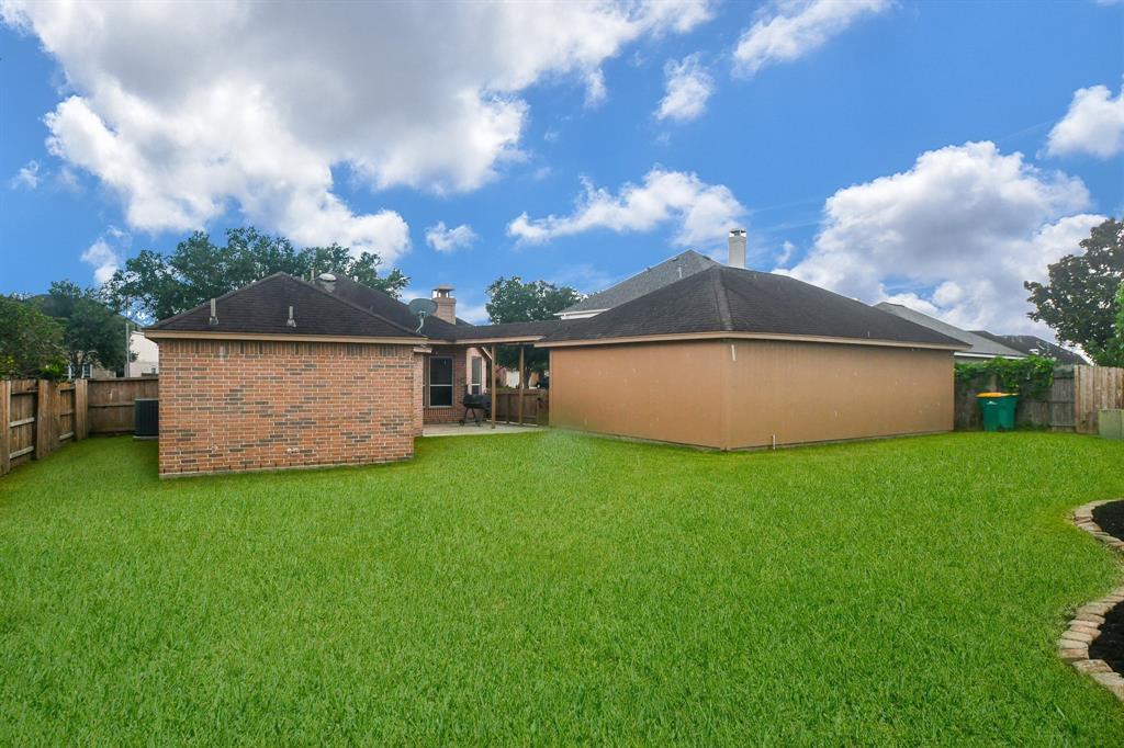 Option Pending | 2202 Cambridge Shores Lane Pearland, Texas 77584 25