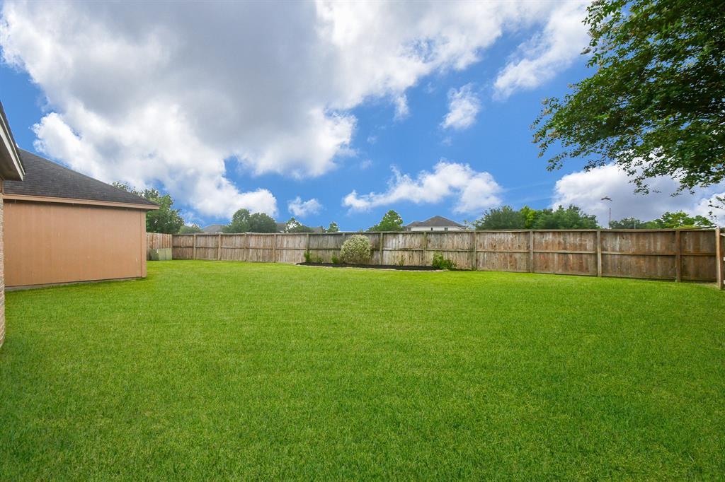 Option Pending | 2202 Cambridge Shores Lane Pearland, Texas 77584 26