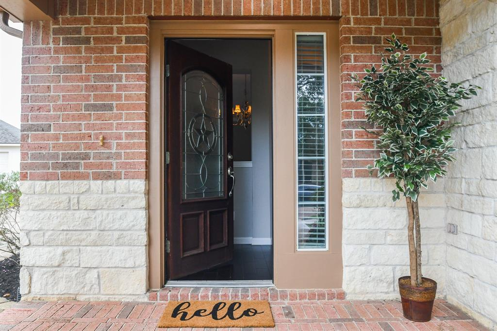 Option Pending | 2202 Cambridge Shores Lane Pearland, Texas 77584 3