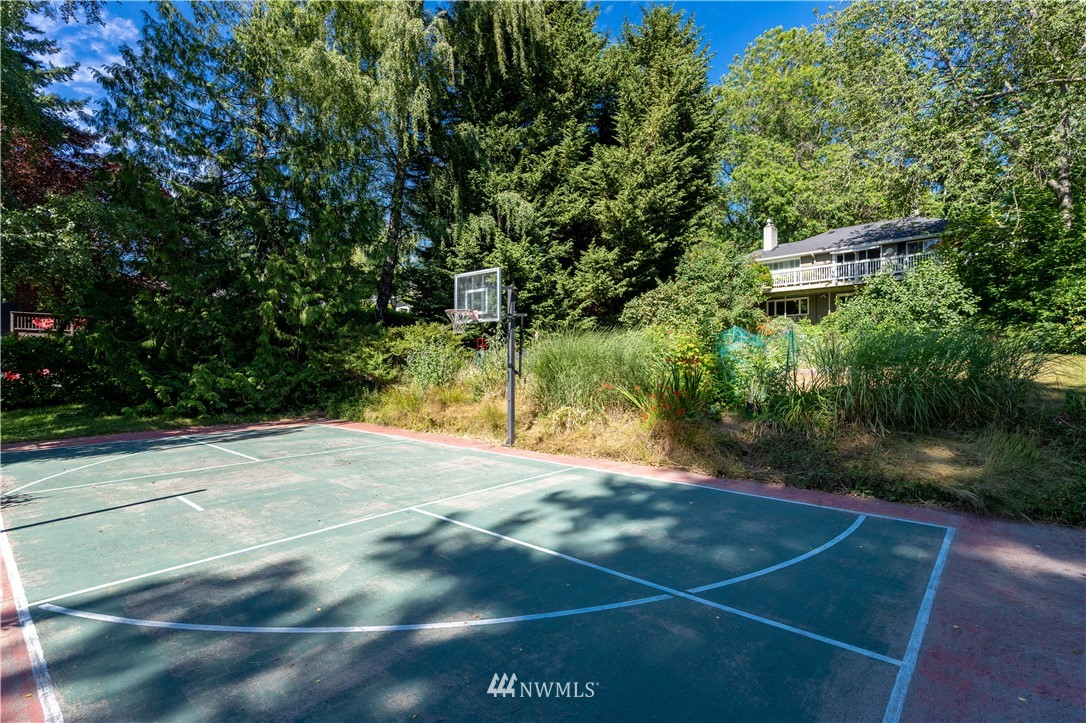 Sold Property   11825 8th Avenue NW Seattle, WA 98177 3