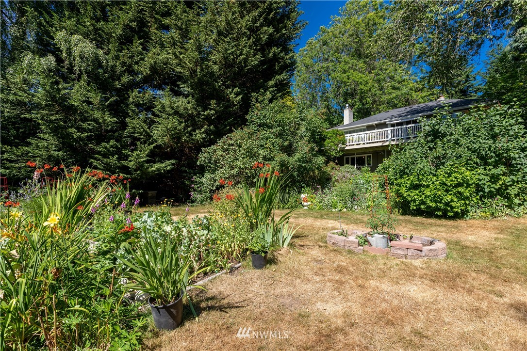 Sold Property   11825 8th Avenue NW Seattle, WA 98177 5