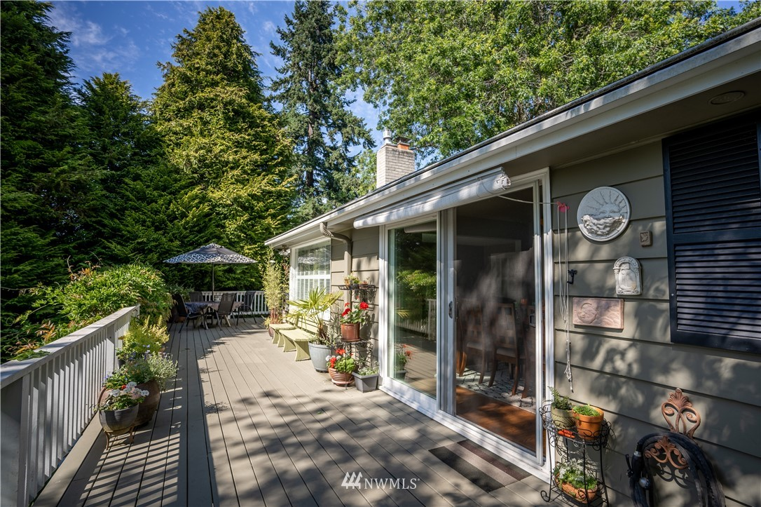 Sold Property   11825 8th Avenue NW Seattle, WA 98177 7