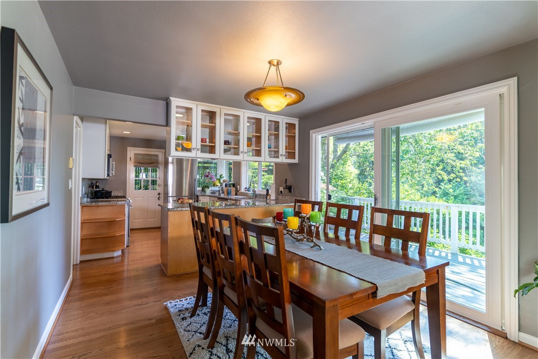 Sold Property   11825 8th Avenue NW Seattle, WA 98177 12