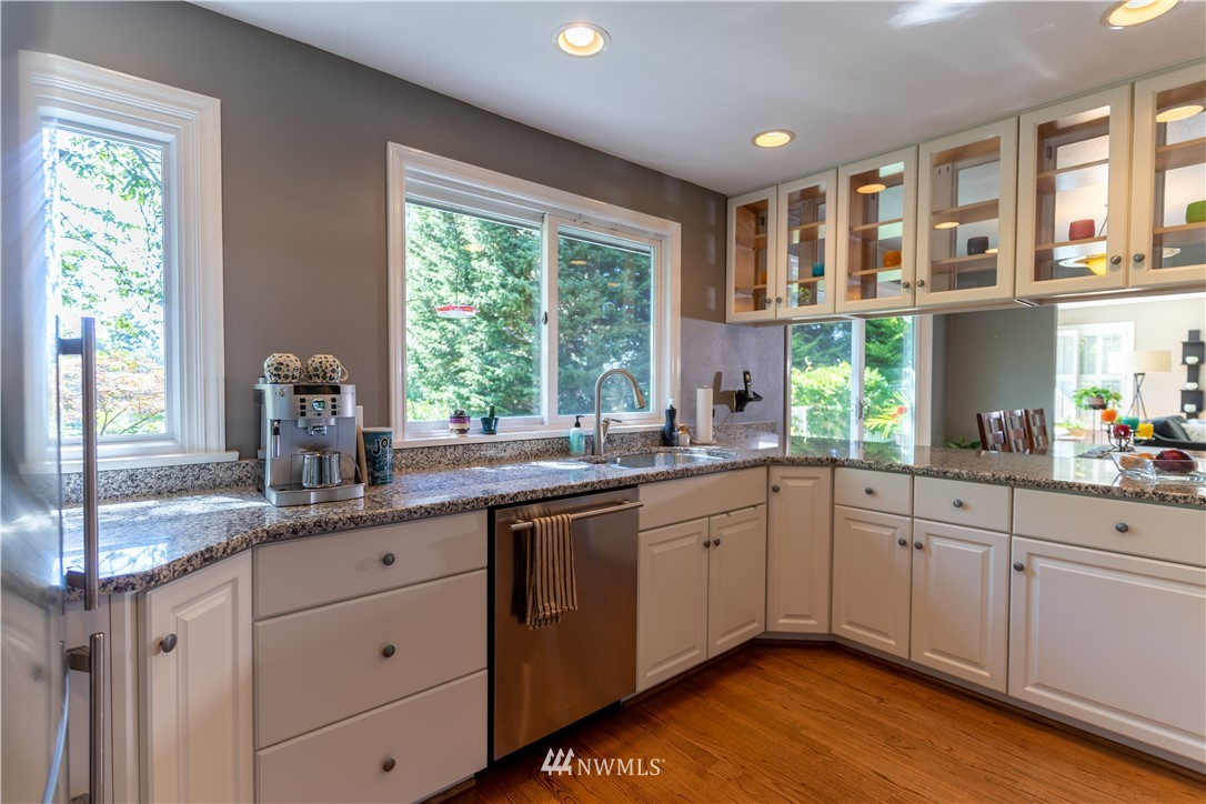Sold Property   11825 8th Avenue NW Seattle, WA 98177 14
