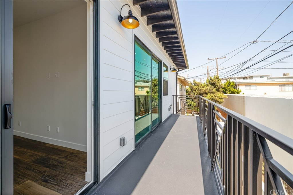 Active   2216 Gates Avenue #B Redondo Beach, CA 90278 24