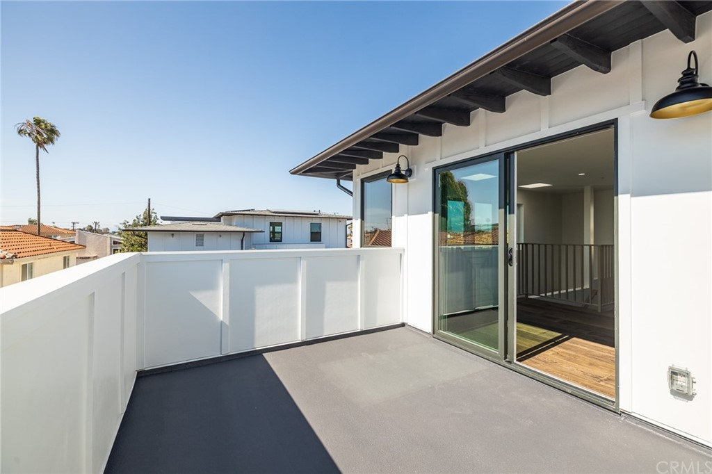 Active   2216 Gates Avenue #B Redondo Beach, CA 90278 22
