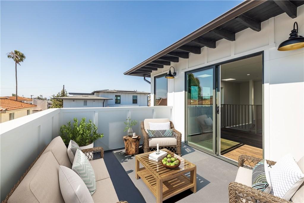 Active   2216 Gates Avenue #B Redondo Beach, CA 90278 0