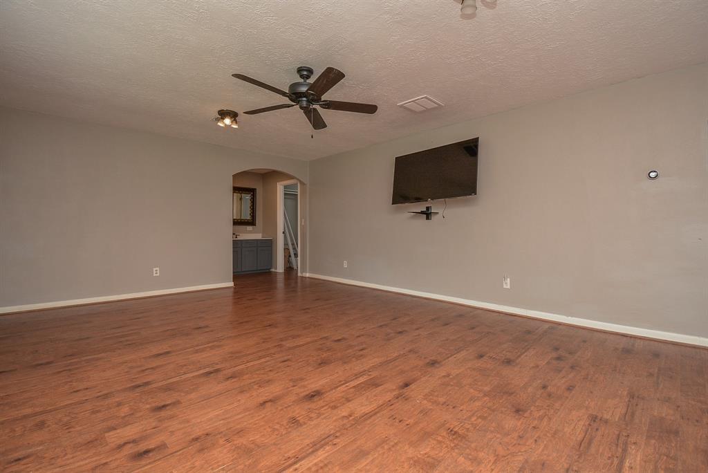 Active | 22903 Edward Lane Tomball, Texas 77377 16