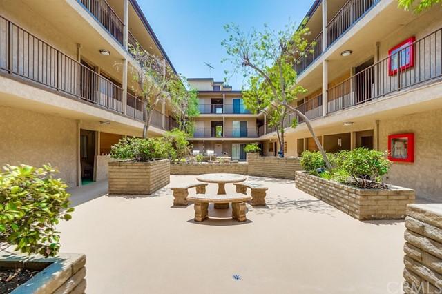 condominium in Gardena | 2501 W Redondo Beach Boulevard #211 Gardena, CA 90249 4