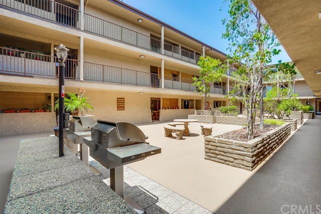 condominium in Gardena | 2501 W Redondo Beach Boulevard #211 Gardena, CA 90249 5