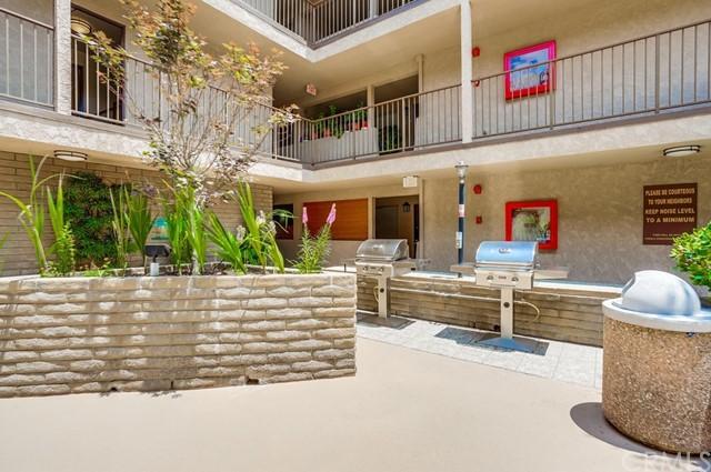 condominium in Gardena | 2501 W Redondo Beach Boulevard #211 Gardena, CA 90249 6