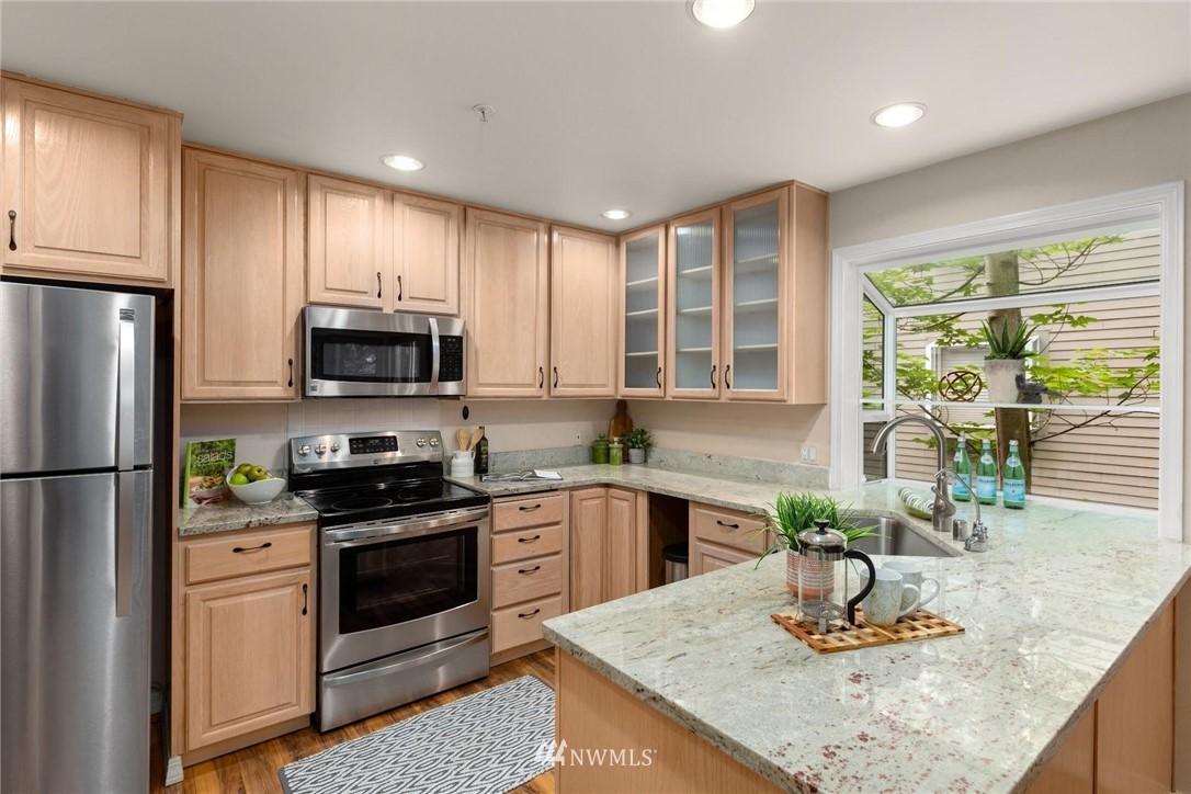 Sold Property | 501 Kirkland Avenue #204 Kirkland, WA 98033 12