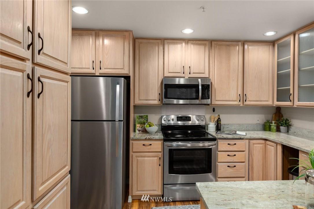 Sold Property | 501 Kirkland Avenue #204 Kirkland, WA 98033 15