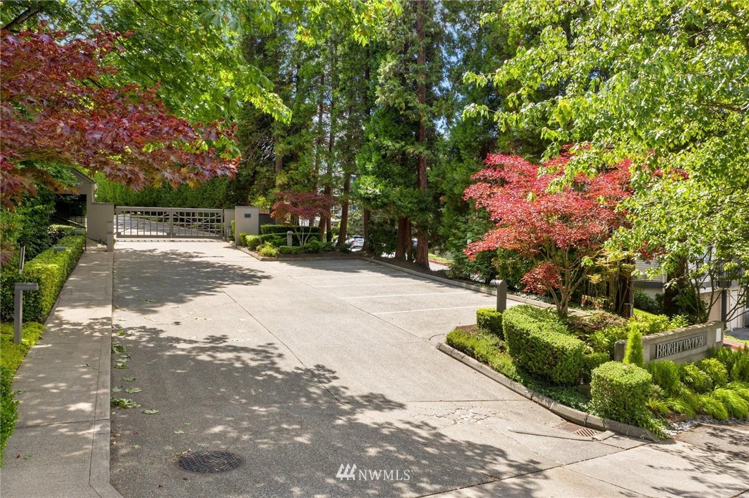 Sold Property | 501 Kirkland Avenue #204 Kirkland, WA 98033 32