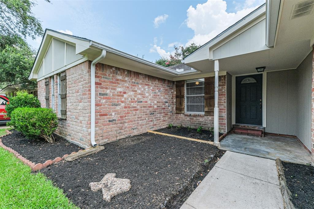 Off Market | 819 Red Rock Canyon Drive Katy, Texas 77450 2