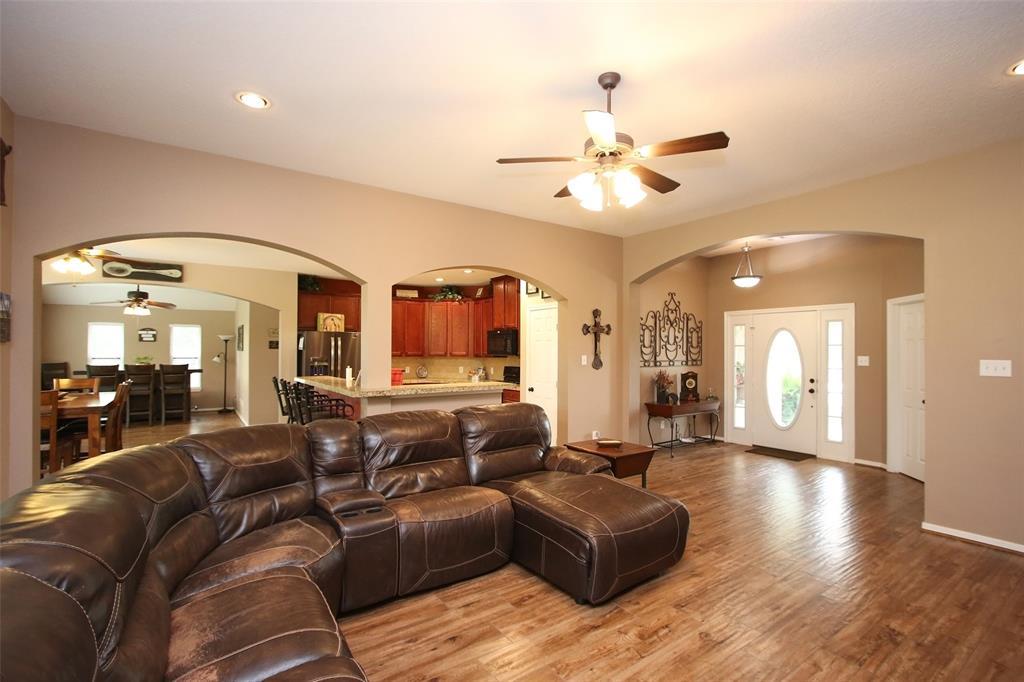 Pending | 653 Grubbs Road Sealy, Texas 77474 9