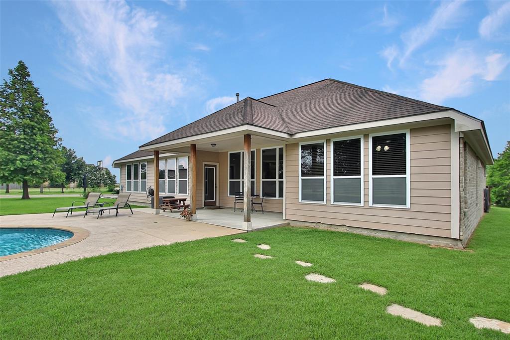 Pending | 653 Grubbs Road Sealy, Texas 77474 24