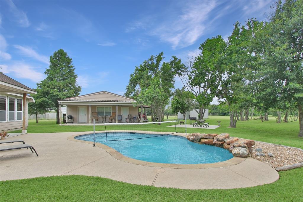 Pending | 653 Grubbs Road Sealy, Texas 77474 26