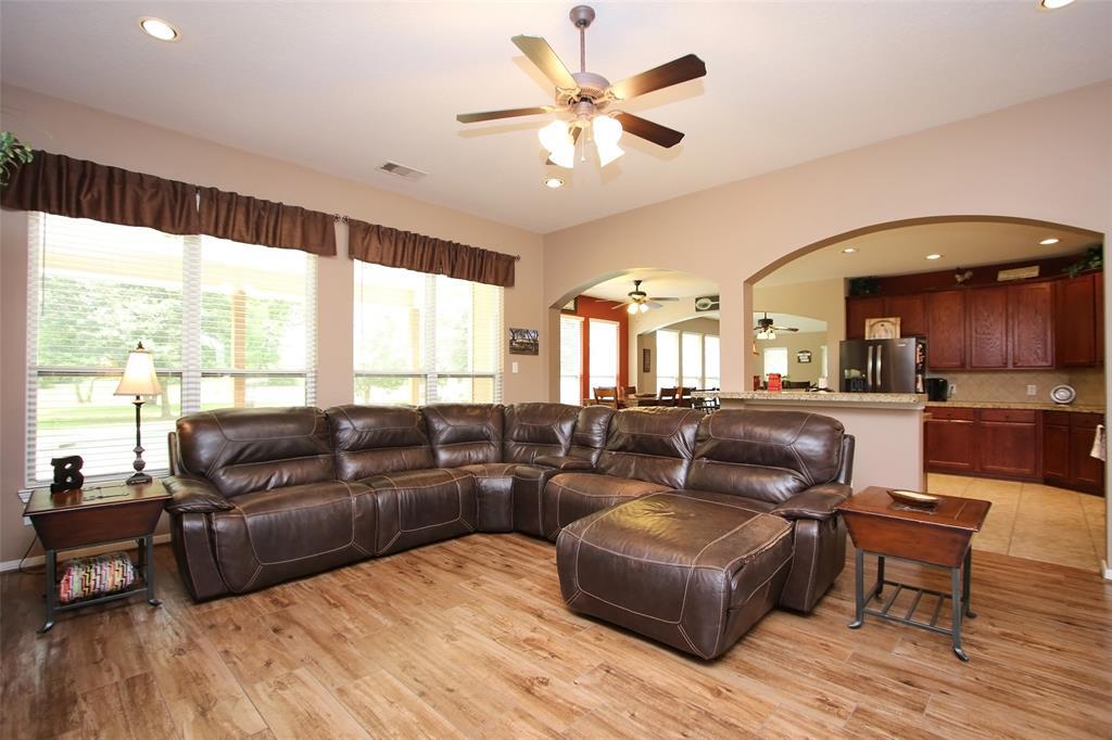 Pending | 653 Grubbs Road Sealy, Texas 77474 7