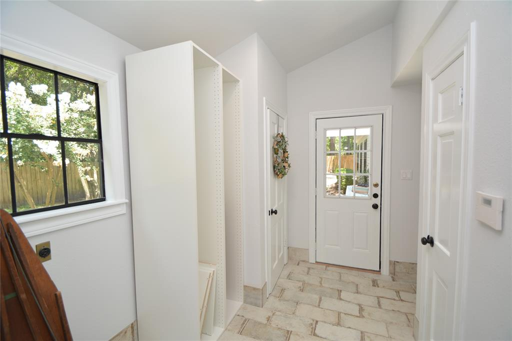 Option Pending   5 Green Bower Lane The Woodlands, Texas 77380 23