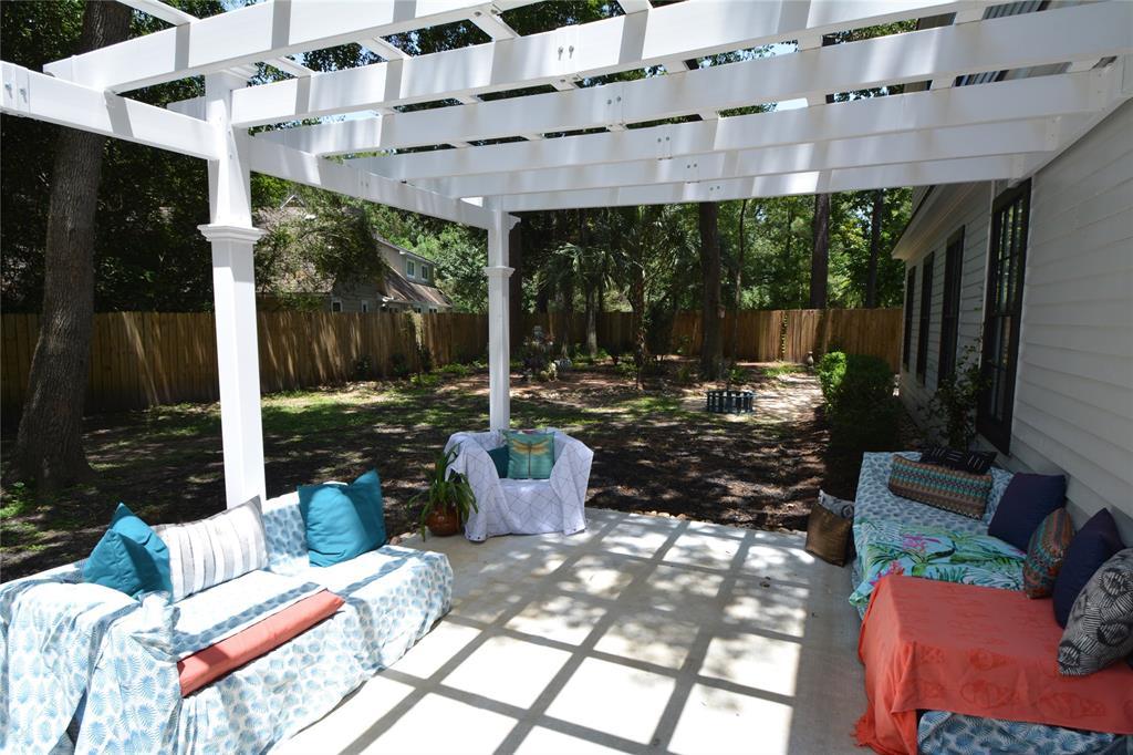 Option Pending   5 Green Bower Lane The Woodlands, Texas 77380 24