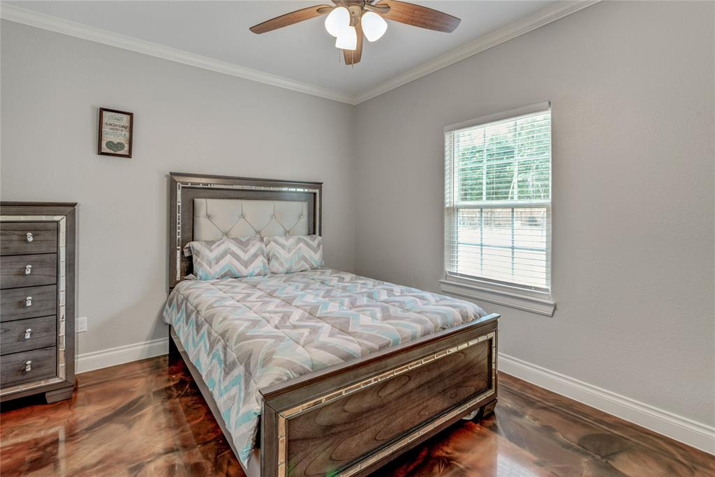 Pending | 6923 Finch Street Houston, Texas 77028 20